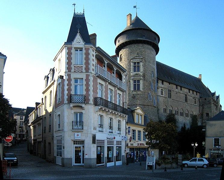 Photo du Monument Historique Château Vieux situé à Laval