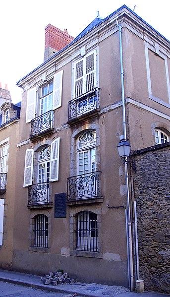 Photo du Monument Historique Ancien hôtel de Montfrand, actuellement hôtel de Sèze et de Montfrand situé à Laval