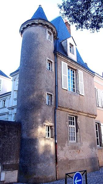 Photo du Monument Historique Presbytère de Saint-Vénérand, dit aussi Hôtel Boulain situé à Laval