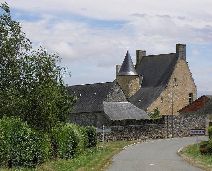 Photo du Monument Historique Presbytère situé à Montourtier