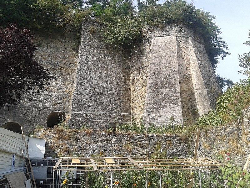 Photo du Monument Historique Fours à chaux situé à Parné-sur-Roc