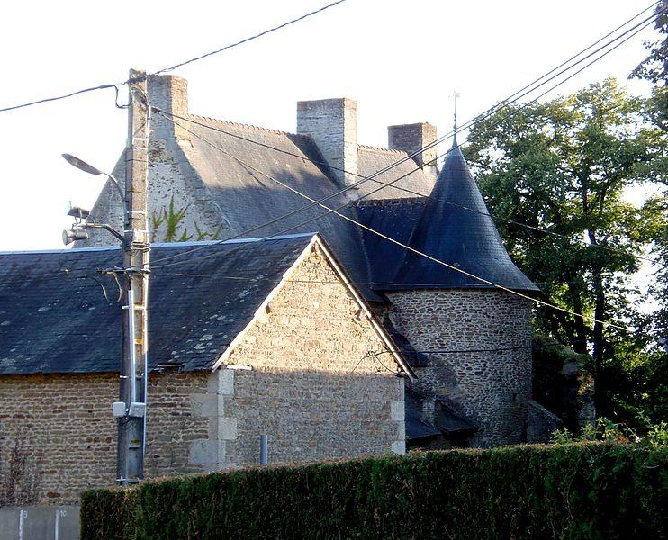 Photo du Monument Historique Manoir situé à Ravigny