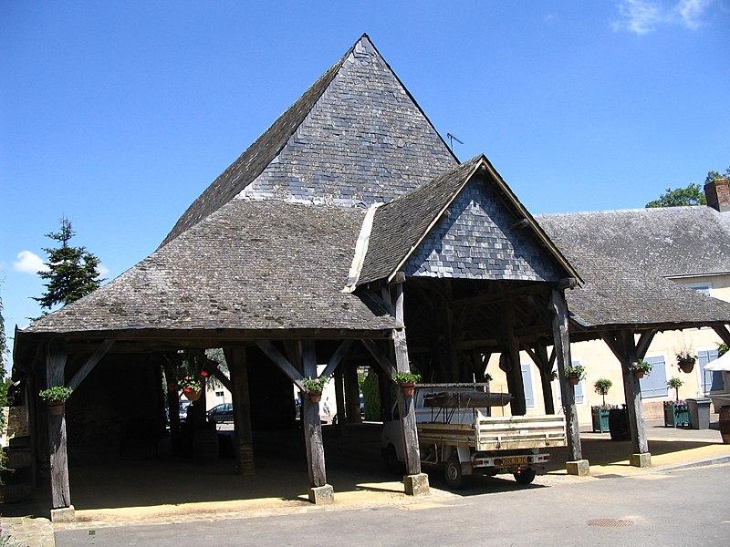 Photo du Monument Historique Halles situé à Saint-Denis-d'Anjou
