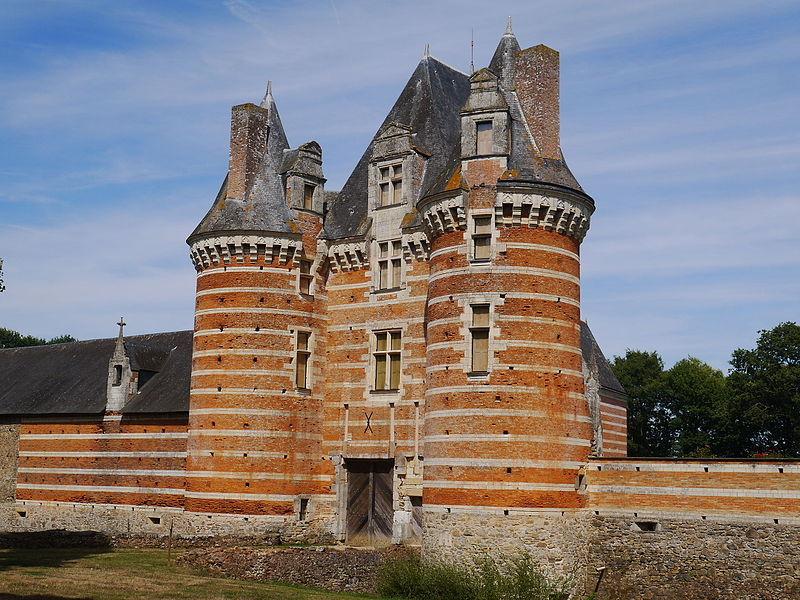 Photo du Monument Historique Château de Mortier-Crolles situé à Saint-Quentin-les-Anges