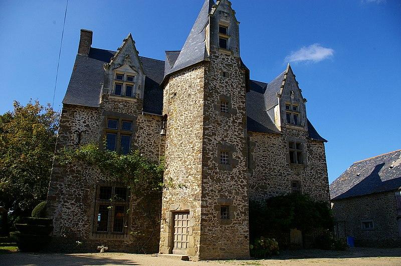 Photo du Monument Historique Manoir d'Aubigné situé à Vaiges