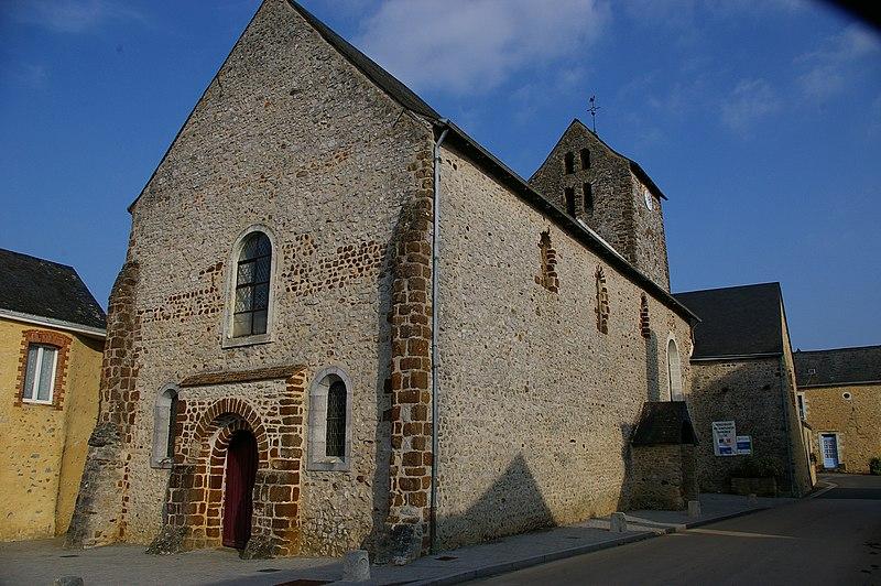 Photo du Monument Historique Eglise paroissiale Notre-Dame situé à Cossé-en-Champagne