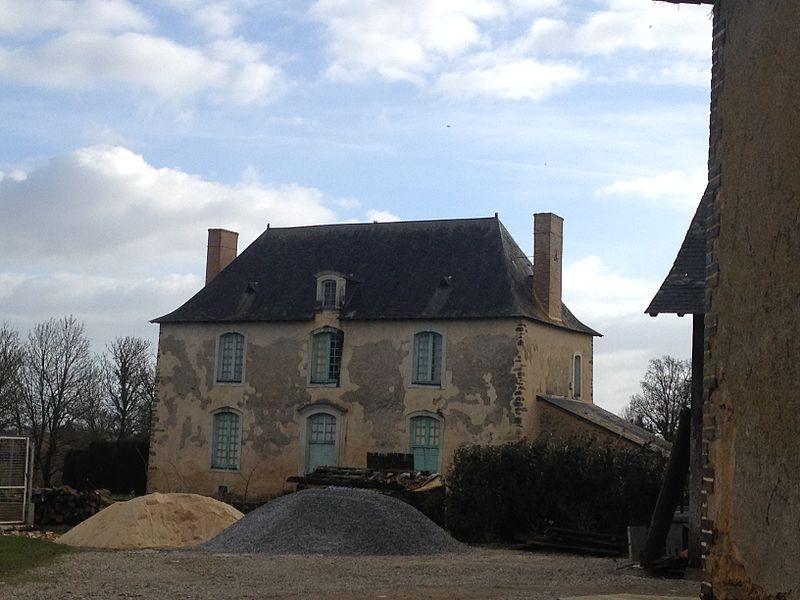 Photo du Monument Historique Prieuré génovéfain situé à Mée