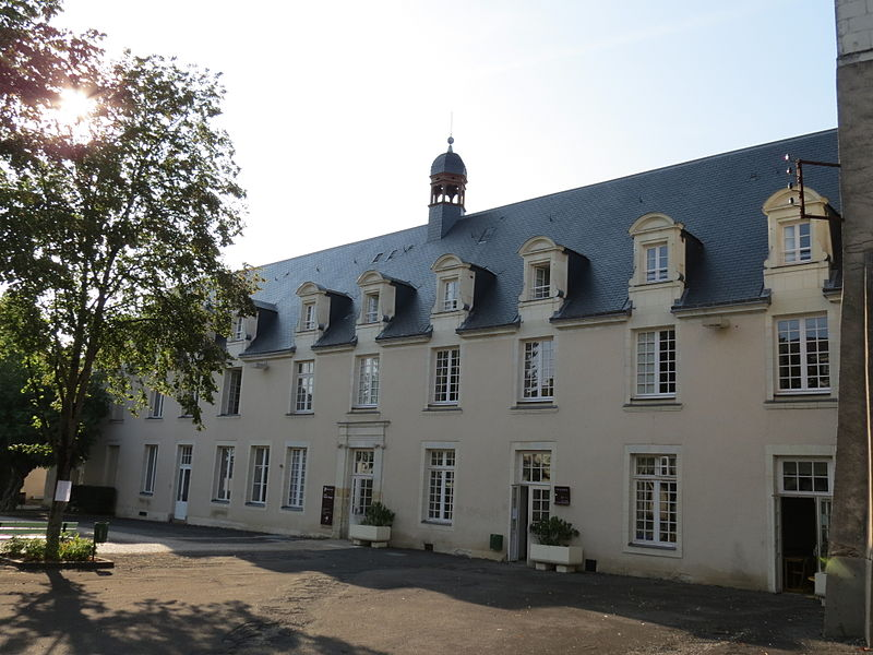 Photo du Monument Historique Lycée Victor-Hugo situé à Château-Gontier