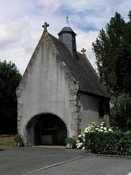 Photo du Monument Historique Chapelle Sainte-Croix situé à Brée