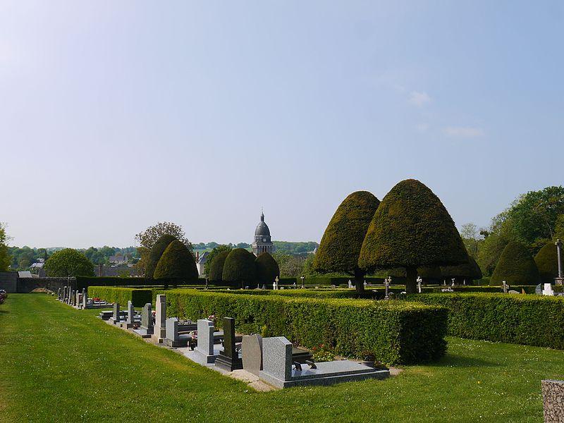 Photo du Monument Historique Cimetière communal situé à Bouère
