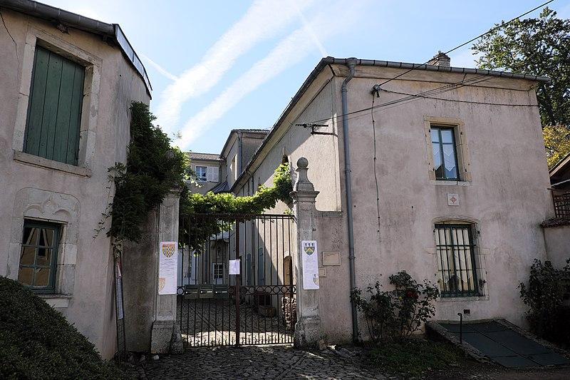 Photo du Monument Historique Domaine dit les Tilles situé à Bouxières-aux-Dames