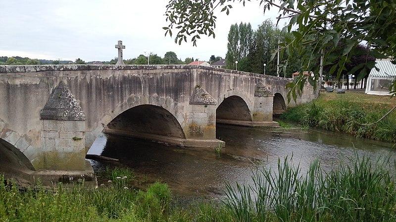Photo du Monument Historique Pont sur le Sânon situé à Crévic