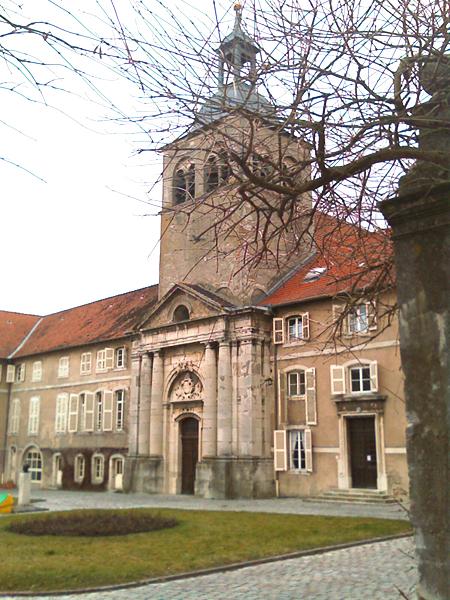 Photo du Monument Historique Prieuré bénédictin , Centre médico-social situé à Flavigny-sur-Moselle