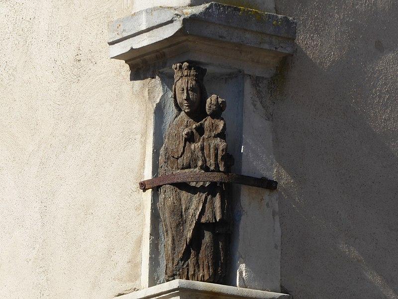 Photo du Monument Historique Maison avec statue de la Vierge situé à Liverdun