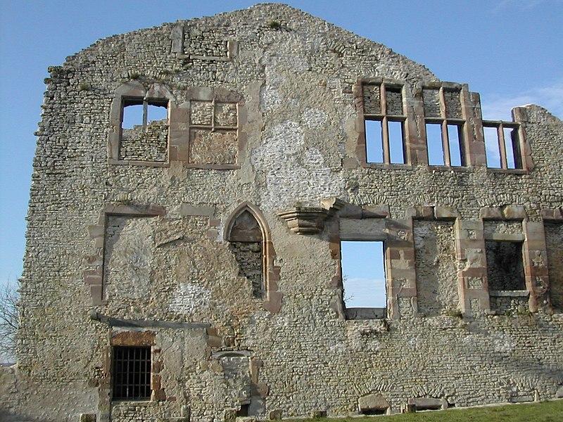 Photo du Monument Historique Château situé à Moyen