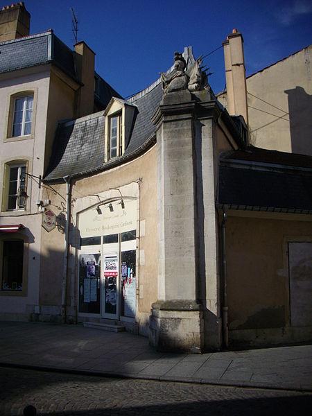 Photo du Monument Historique Pavillon du 18e siècle à l'Ouest de la porte de la Craffe situé à Nancy