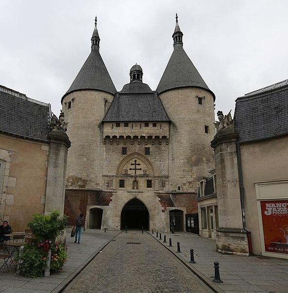 Photo du Monument Historique Porte de la Craffe situé à Nancy