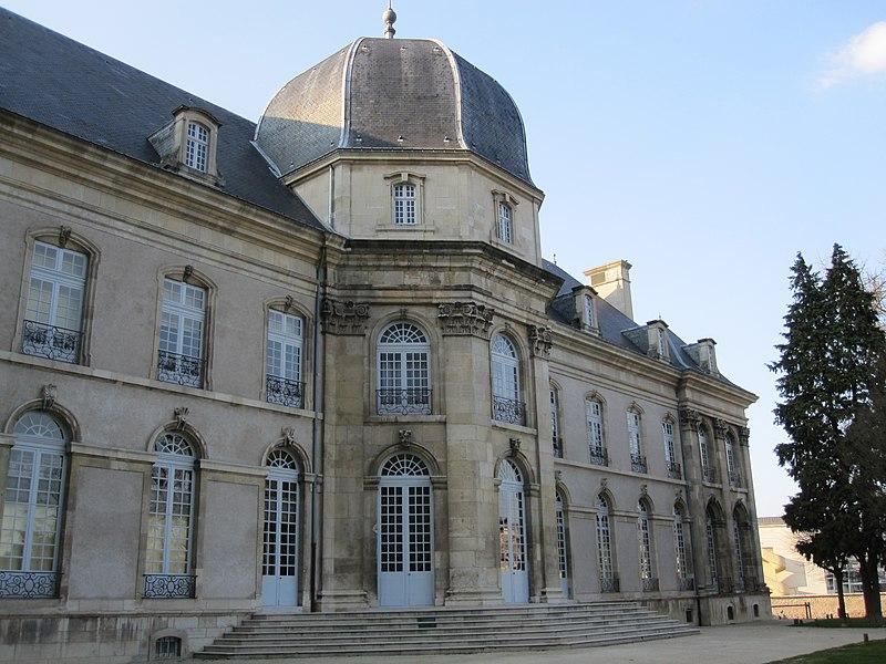 Photo du Monument Historique Hôtel de ville (ancien Evêché) situé à Toul
