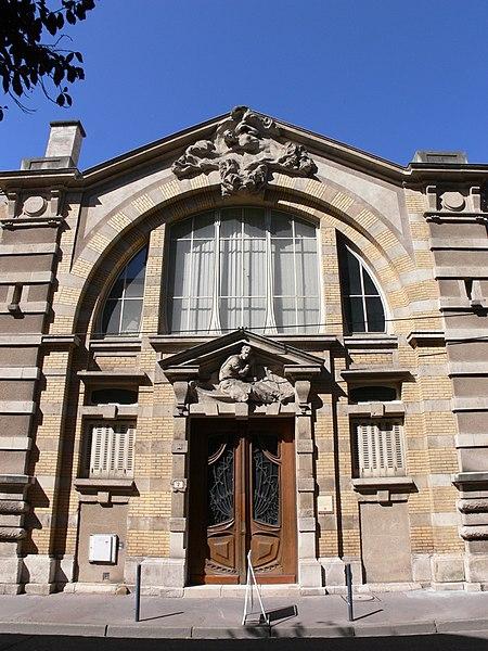 Photo du Monument Historique Maison du Peuple situé à Nancy