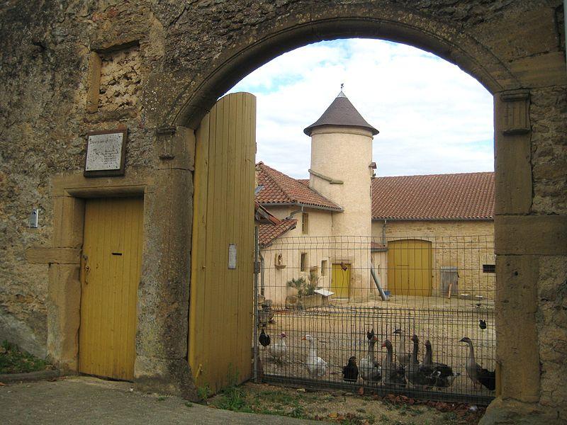 Photo du Monument Historique Ferme dite du Colombier situé à Labry