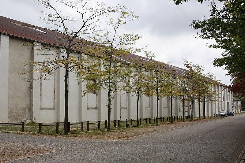 Photo du Monument Historique Ancien manège des Gendarmes rouges ou manège de la Barollière situé à Lunéville