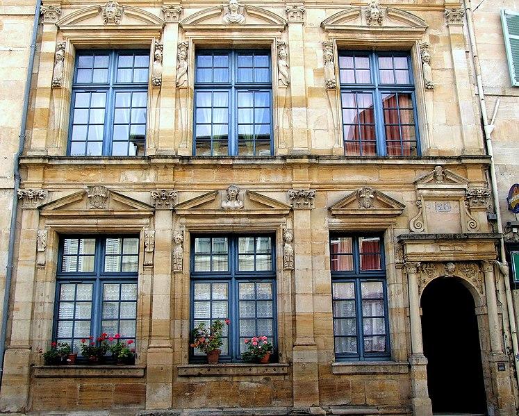 Photo du Monument Historique Immeuble dit Maison des deux Barbeaux situé à Bar-le-Duc
