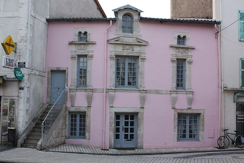 Photo du Monument Historique Maison Renaissance situé à Commercy