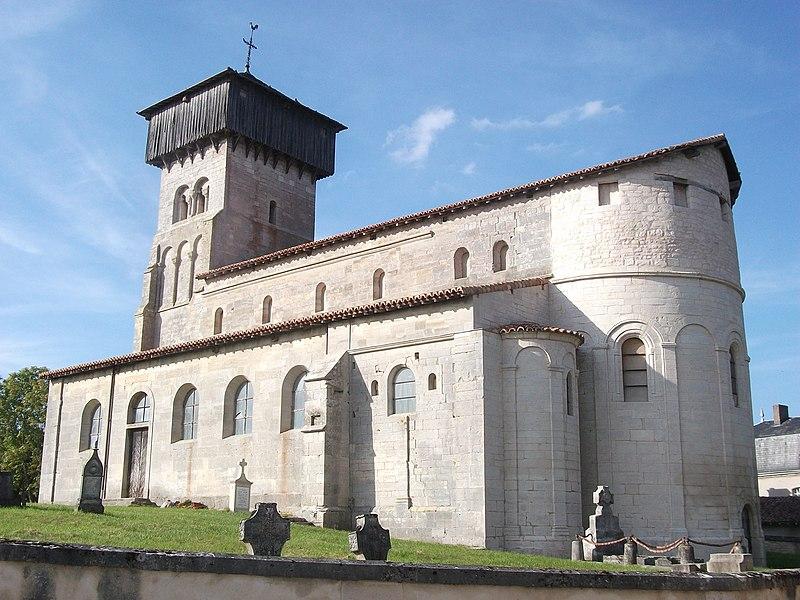 Photo du Monument Historique Cimetière entourant l'ancienne église situé à Dugny-sur-Meuse