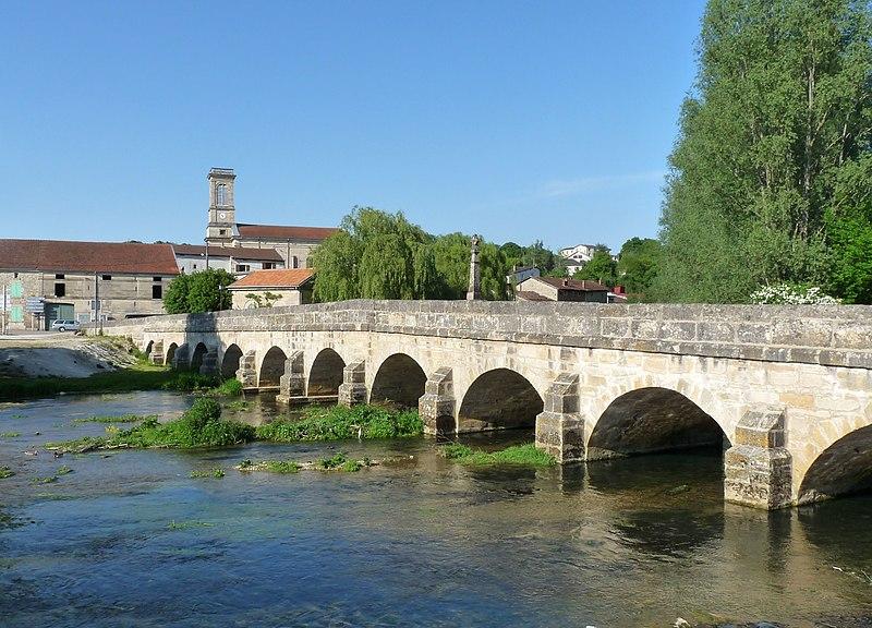 Photo du Monument Historique Pont traversant la Saulx situé à Haironville