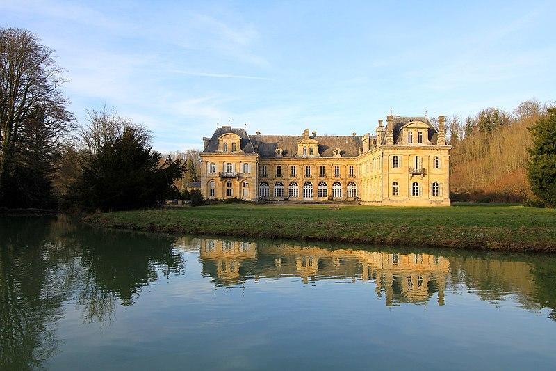 Photo du Monument Historique Abbaye Notre-Dame-de-Jean-d'Heurs situé à Lisle-en-Rigault