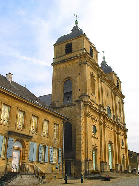 Photo du Monument Historique Eglise de la Ville-Haute situé à Montmédy