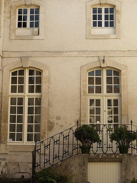 Photo du Monument Historique Ancien Hôtel de Rouyn, dit Hôtel de Rozières situé à Saint-Mihiel