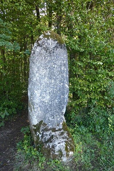 Photo du Monument Historique Menhir dit la Dame Schonne situé à Saint-Mihiel