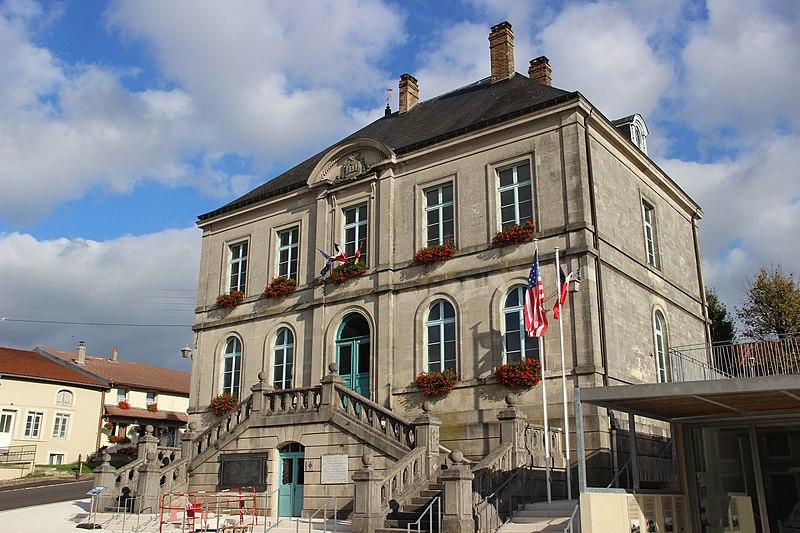 Photo du Monument Historique Hôtel de ville situé à Souilly
