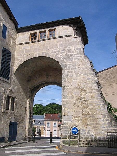 Photo du Monument Historique Porte Châtel situé à Verdun