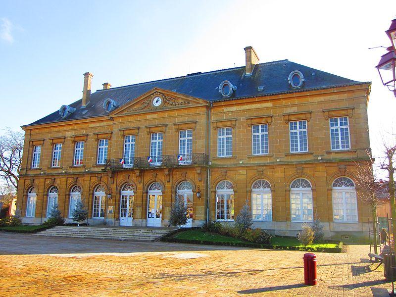 Photo du Monument Historique Hôtel de ville situé à Etain