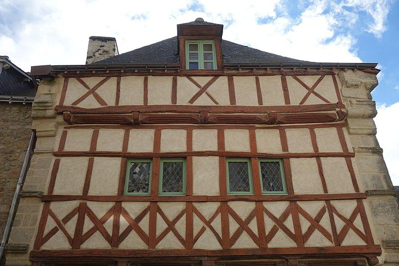 Photo du Monument Historique Maison du 16e siècle situé à Auray