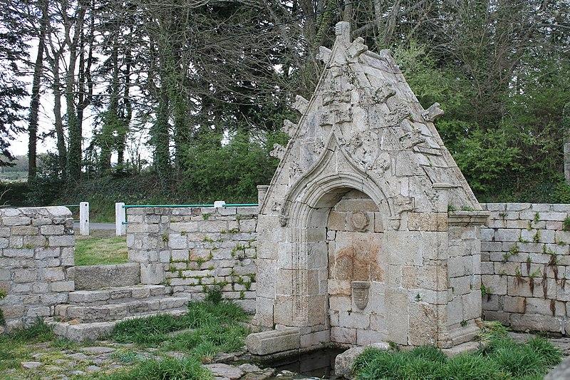 Photo du Monument Historique Fontaine de Saint-Bieuzy situé à Bieuzy