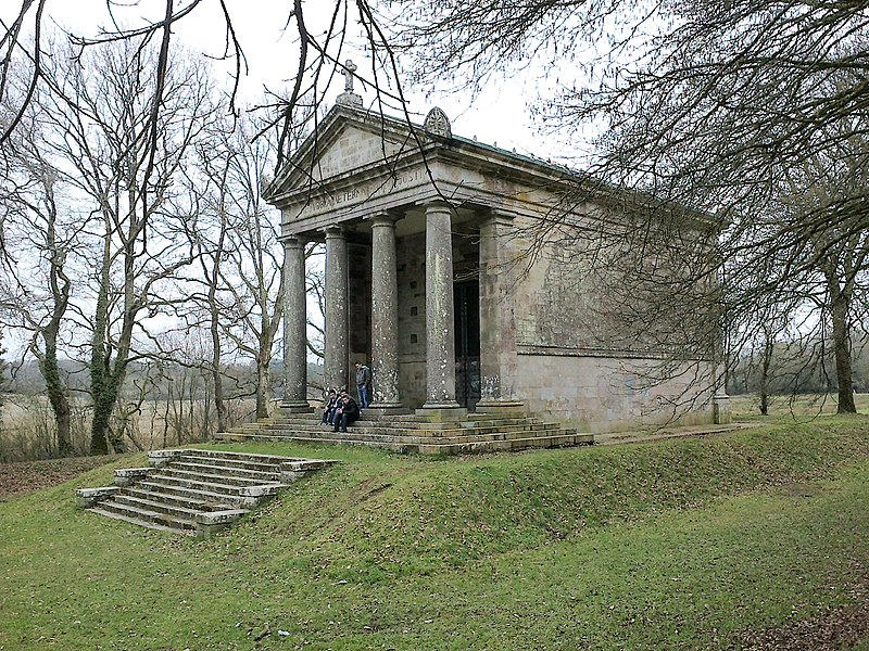 Photo du Monument Historique Chapelle expiatoire du Champ-des-Martyrs situé à Brech