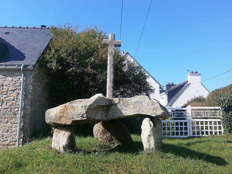 Photo du Monument Historique Dolmen de Cruz-Menquen situé à Carnac