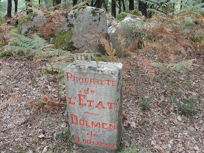 Photo du Monument Historique Dolmen de Kluder-Yer situé à Carnac