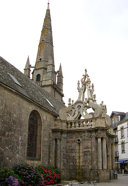 Photo du Monument Historique Eglise Saint-Cornély situé à Carnac