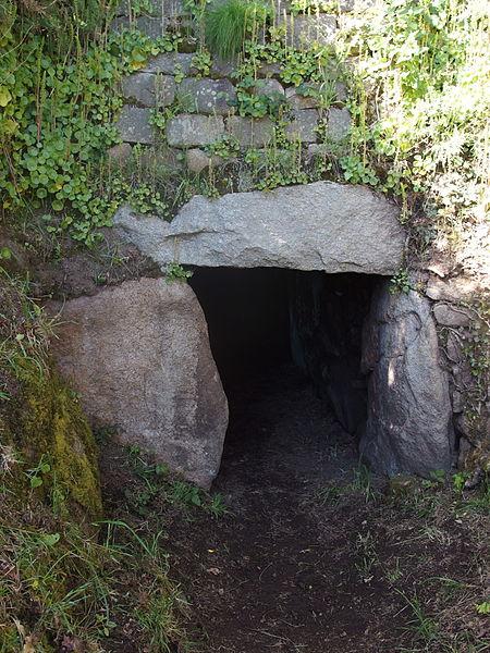 Photo du Monument Historique Tumulus à menhir du Moustoir-Carnac situé à Carnac