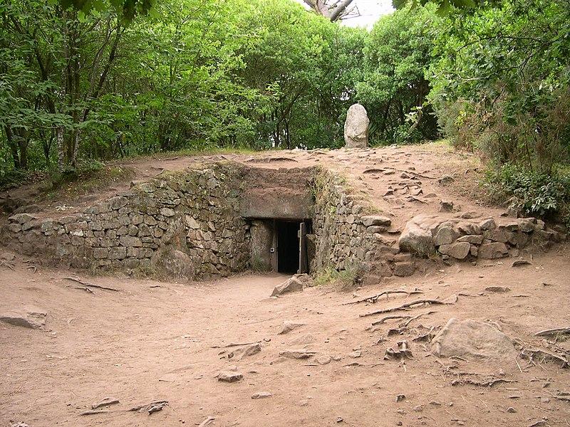 Photo du Monument Historique Tumulus-dolmen de Kercado situé à Carnac