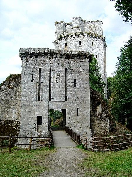 Photo du Monument Historique Ancienne forteresse ou ancien château de Largouët situé à Elven