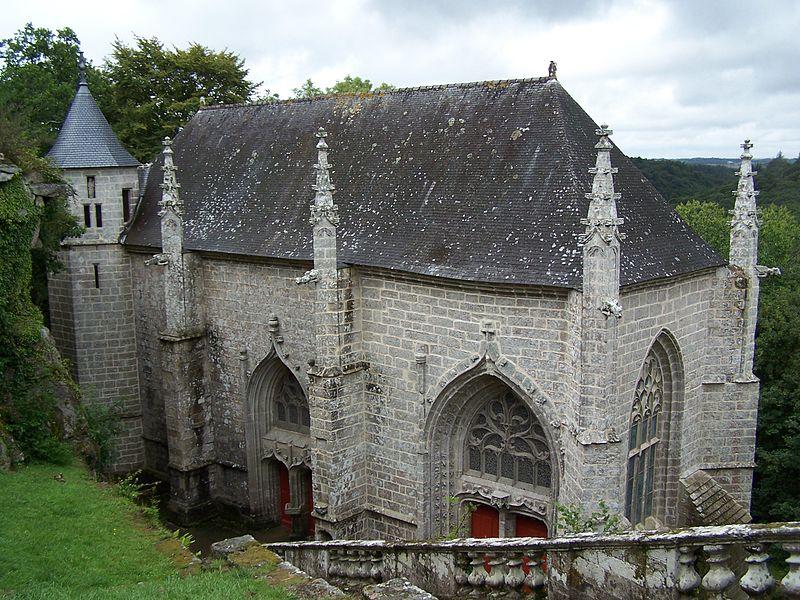 Photo du Monument Historique Chapelle Sainte-Barbe et maison du garde situé à Faouët (Le)