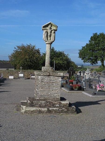 Photo du Monument Historique Cimetière situé à Fougerêts (Les)