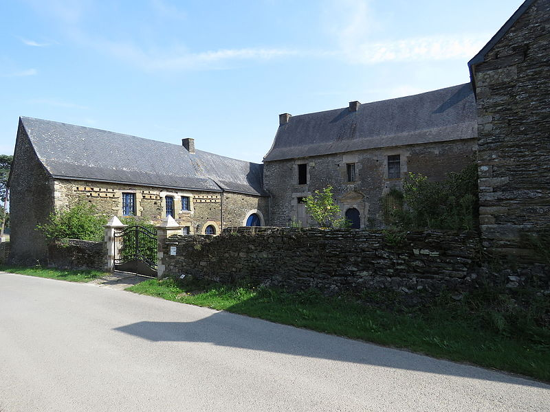 Photo du Monument Historique Manoir de la Cour situé à Gourhel