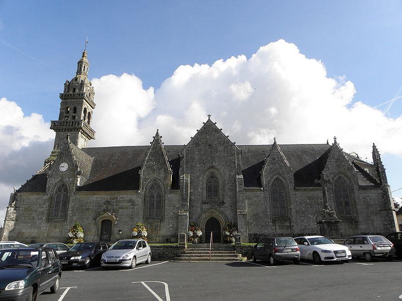 Photo du Monument Historique Eglise Saint-Pierre et Saint-Paul situé à Gourin