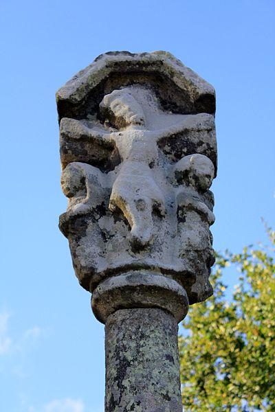 Photo du Monument Historique Croix du 16e siècle situé à Guégon